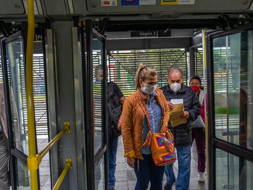 [Fotoperiodismo] Transmilenio, principal medio de transporte en Bogotá durante la pandemia