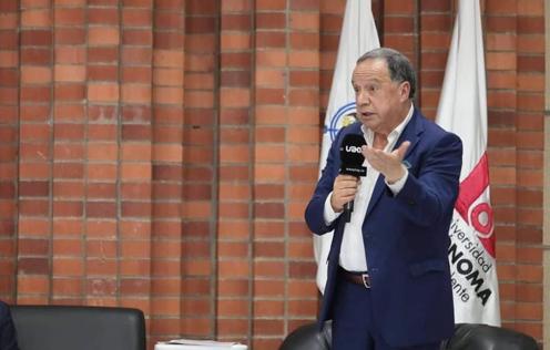 """""""El conservatismo nace, crece, se reproduce y nunca muere"""": Eduardo Enríquez"""