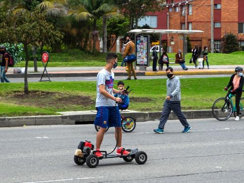 [Fotoperiodismo] Reapertura de la ciclovía permite volver a trabajar a cientos de bogotanos