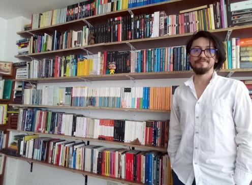 """[Revista impresa] """"El reto de la ciencia ficción es imaginar un futuro posible"""": Rodrigo Bastidas"""