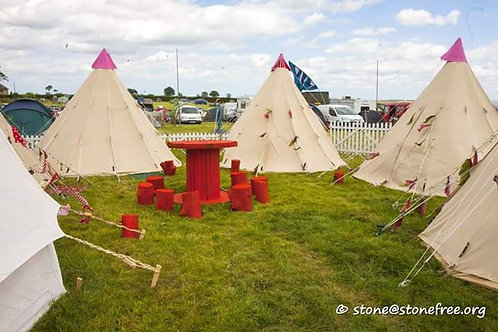 4 meter TeePee Furnished (price inc £100 deposit)