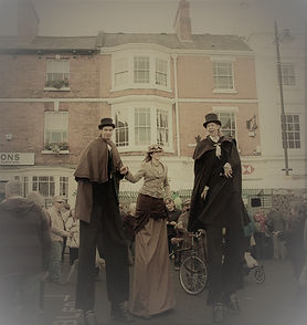 Street theater, The Victorians, Christmas themed entertainment, Stilt walking, stilt walkers, Earthbound Misfits, Lincolnshire,