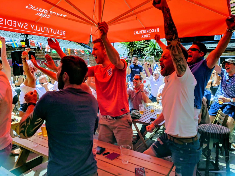 World Cup in Sound-Garden Bar