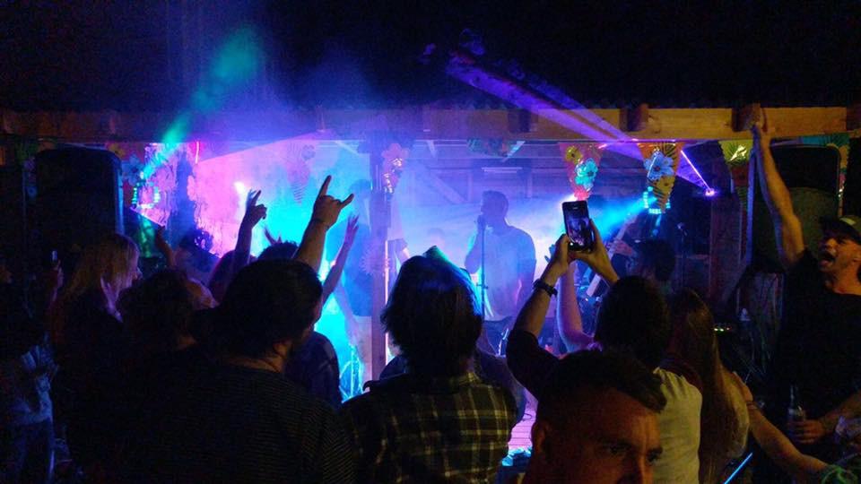 Live music in Sound-Garden Bar