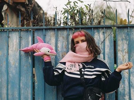 Violeta Delfín: Mujeres escribiendo la calle
