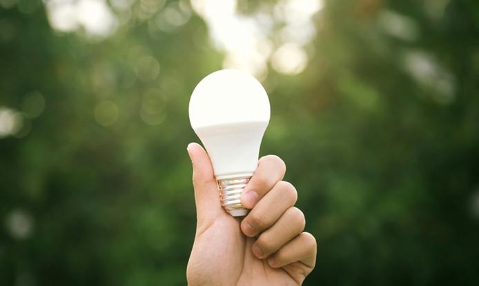 Verão chegou, hora de economizar energia.