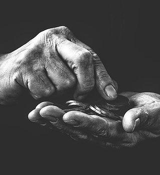 poverty-4561704_640.jpg