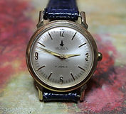 Buren - Gold Plated Case with a Silver Pearl Dial - 17 Jewel Mechanical Movement Wristwatch - (circa 1970s)