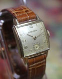 Hydepark - Swiss - 17 Jewel Mechanical Movement - with a Very Nice 10K Rolled Yellow Gold Plated Tank Stepped Style Case Wristwatch - (circa 1940s)