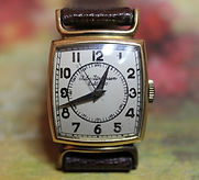 Jules Jurgensen - 14K Solid Gold - Bulls Horn Lugs - Doctor Dial - 17 Jewels Mechanical Wind Wristwatch - (Circa 1950s)
