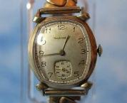 Tavannes - Barrel 10K RGP Case, Horned Lugs, 15 Jewel Movement wristwatch - (circa 1930s)