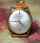 Elgin - 889 Elgin 17 Jewel Movement - Dress Wristwatch - (circa 1960s)