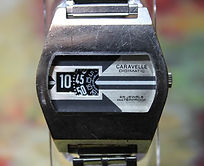 Caravelle (Bulova) - Digimatic - 3 Disc Jump Hour - 25 Jewel Automatic Movement Wristwatch - (circa 1973)