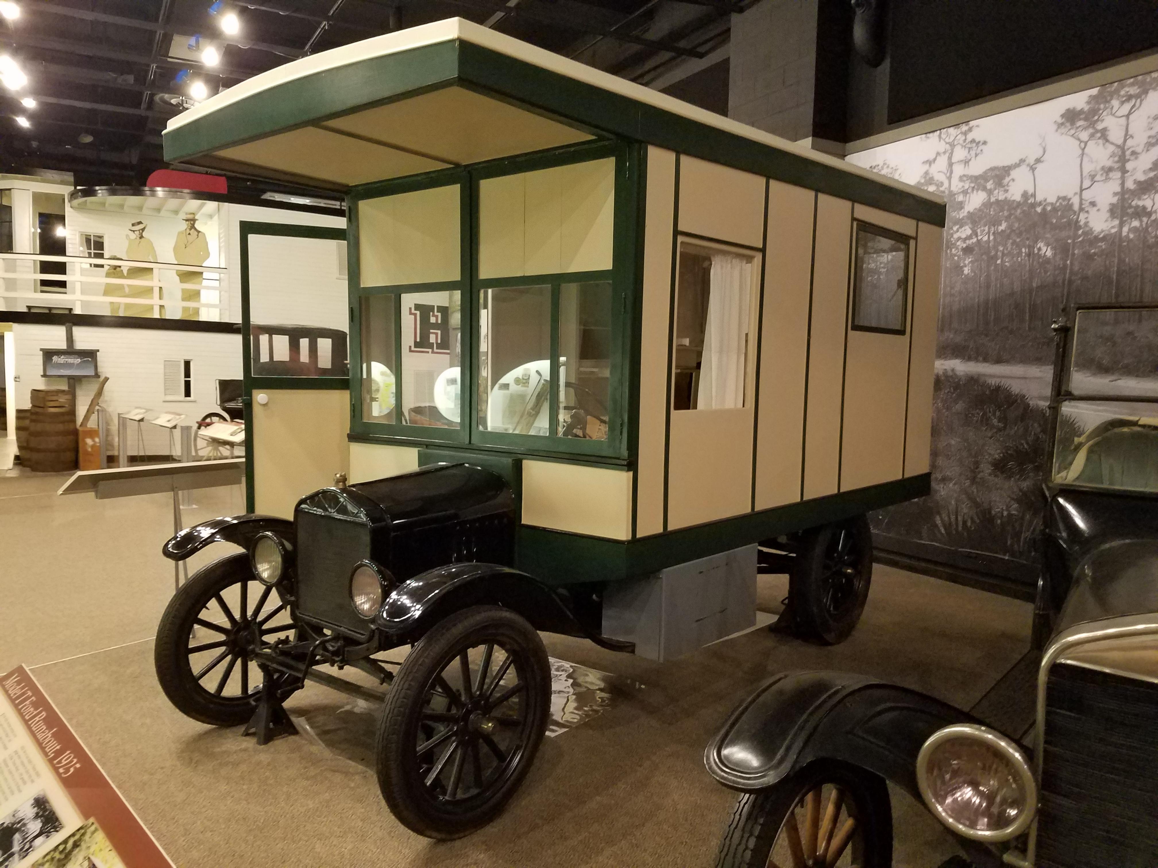 Tin Can Tourist vehicle