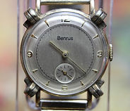 Benrus - Knotted Lugs - 17 Jewel Model BB 4 Mechanical Movement Wristwatch - (Circa 1950s)