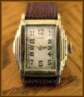 Gruen - Mayan Temple Style (Ultra Stepped Case) - 15 Jewels Gruen Guarantee Movement Wristwatch - (circa 1940s)