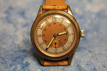 Lories - Outstanding Two Toned Dial with Seconds Sub-Dial and a High Quality 17 Jewels 3 Adjustments Automatic Movement wristwatch - (circa 1940s)
