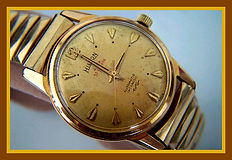 Hilton - 57 Jewel Automatic Swiss Movement in Excellent Condition Wristwatch - (circa 1950s)
