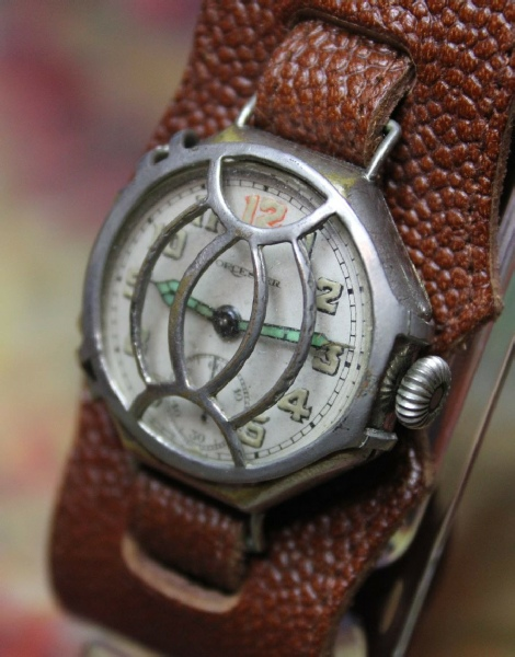 Worchester - WW1 Trench Watch with Shrap