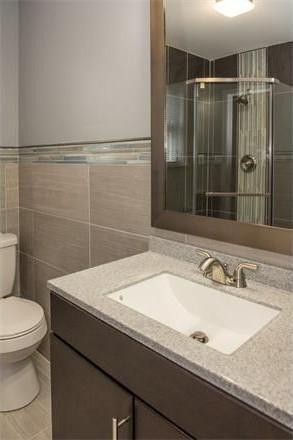 1st Floor Bath 2