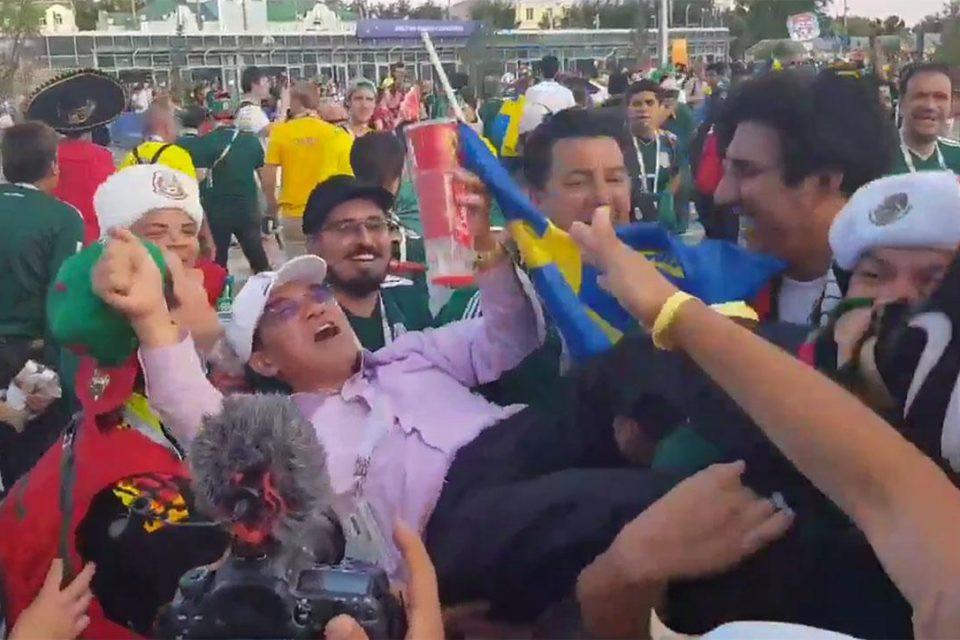 Mexico congratulating Korea
