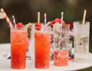 On adore un cocktail fait maison dans le jardin ...