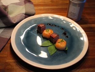 Jakobsmuschel, Ente und Thai Basilikum