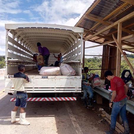 Prefeitura de Feijó inicia transporte semanal de produtos agrícolas na BR 364