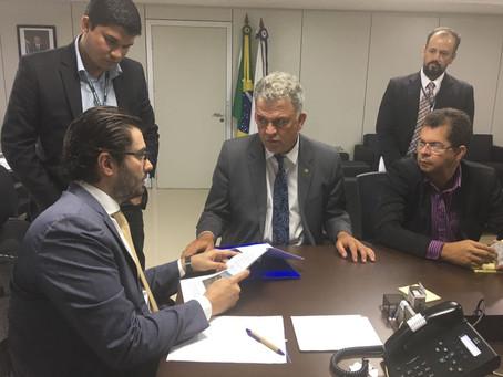 Internet para zona rural e ramais foram pautas de reuniões do prefeito Kiefer em Brasilia