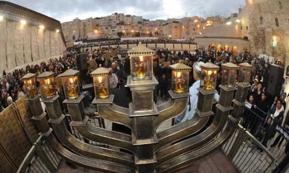 act-hanukkah-in-jerusalem-1