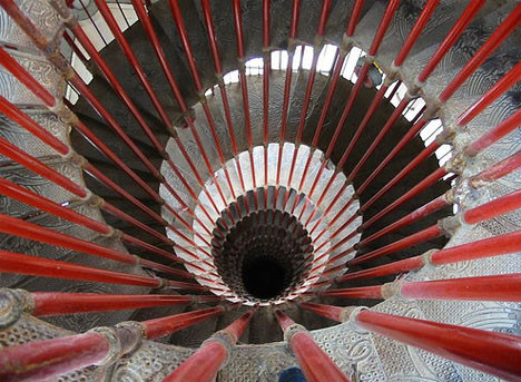 metal-castle-spiral-staircase
