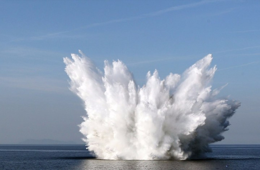 explosion-land-or-water-2