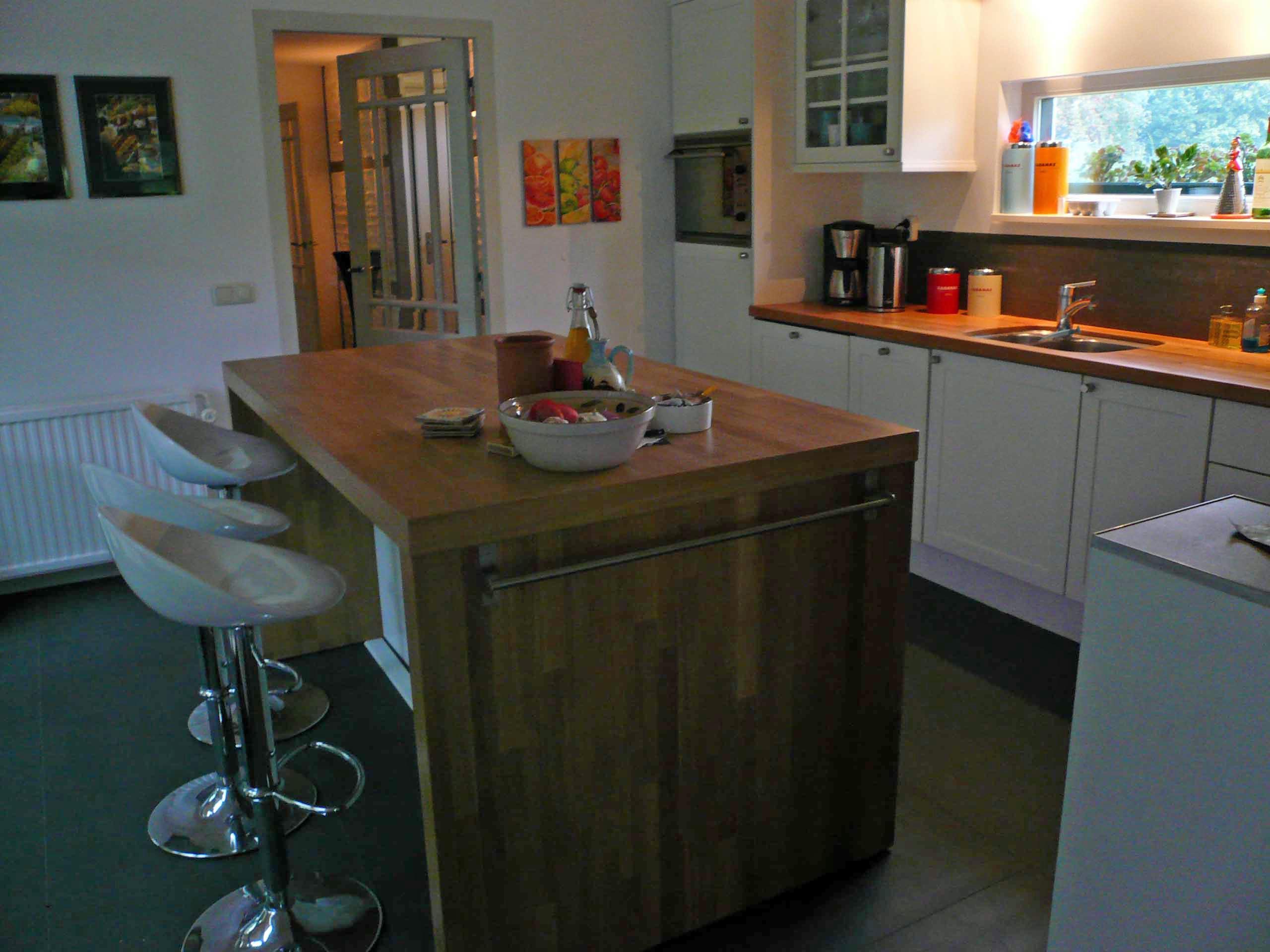 Keuken met werktafel
