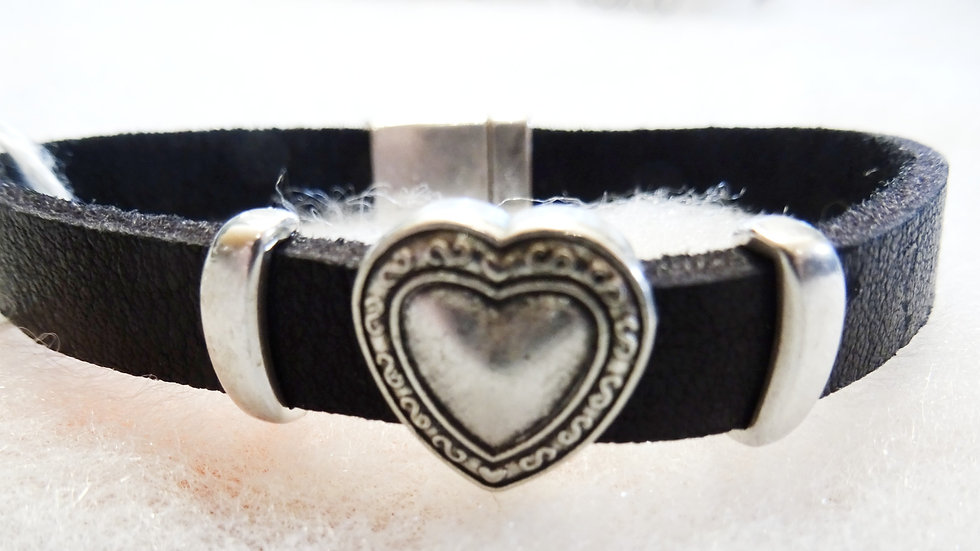 Ecuador soft leather with heart slider.