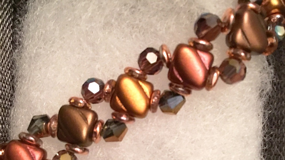 Beaded bracelet with  multi brown crystals