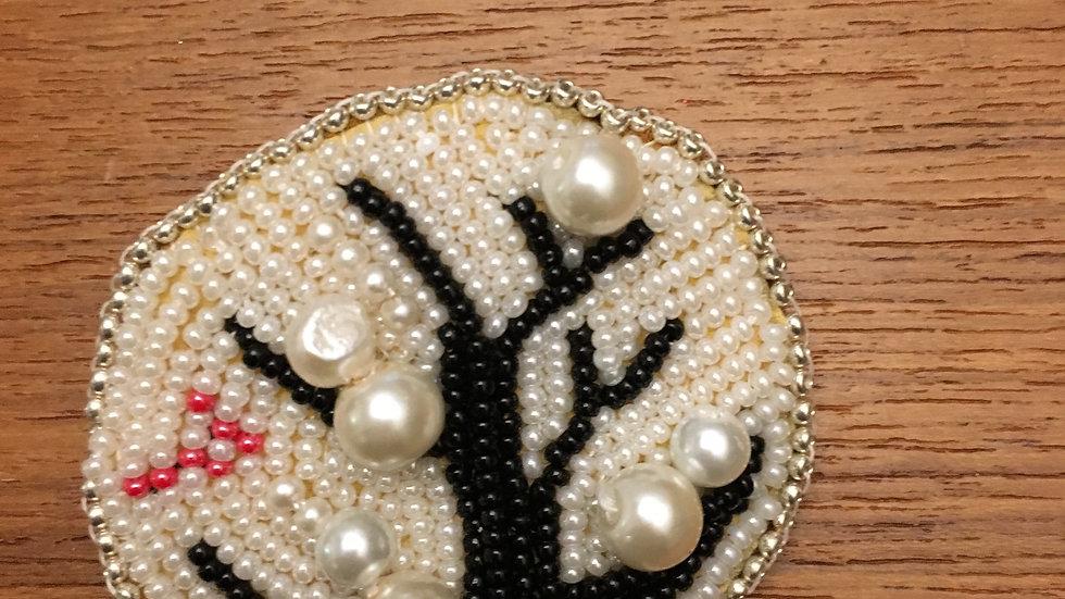 Tree brooch/ arbre avec perles