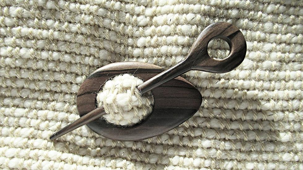 Wooden pear shape scarf brooch with stick/ Broche en bois pour foulard