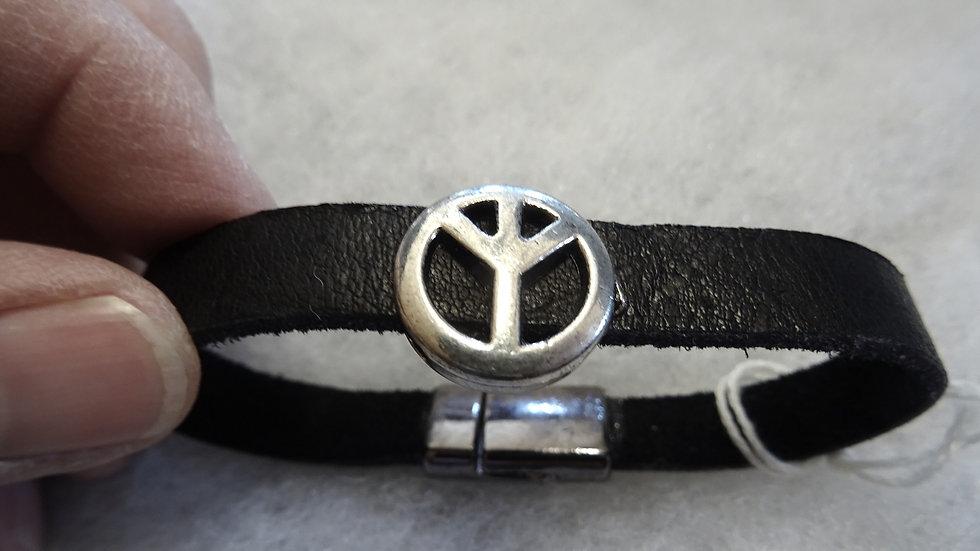 Ecuador leather bracelet with Peace slider.