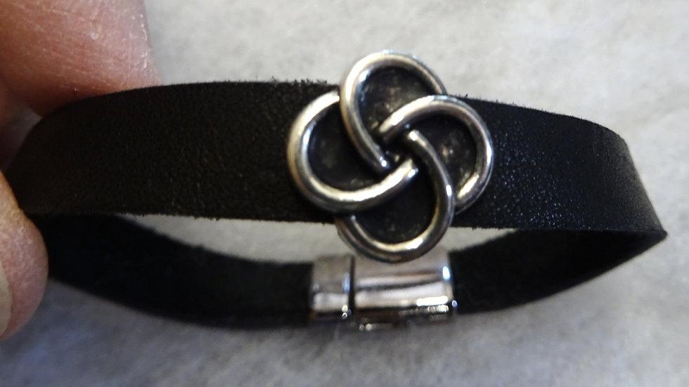 Ecuador leather bracelet with Celtic slider