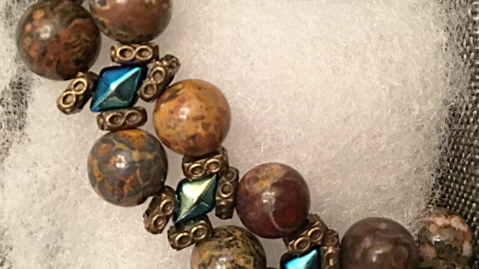 Beaded bracelet with brown stones