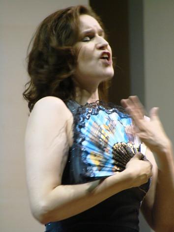 Erin as Rosalinde (Fledermaus)
