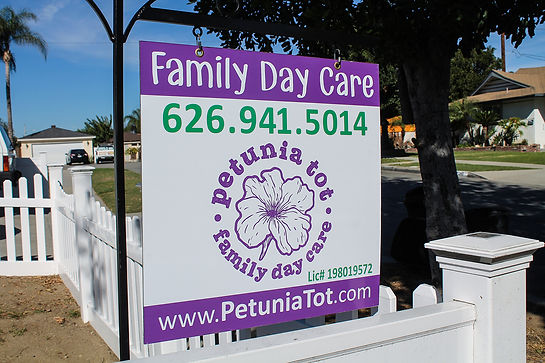 Peunia Tot Yard Sign