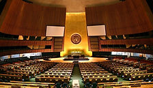 800px-UN_General_Assembly_hall_edited.jp