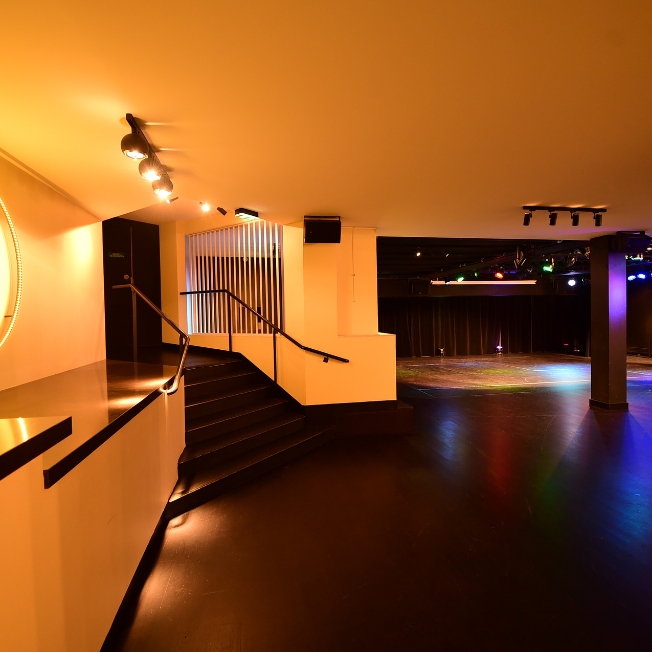 PS bar et dancefloor