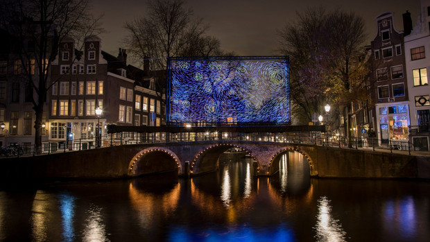 Serbian artists turn Van Gogh's Starry Night into canalside light installation