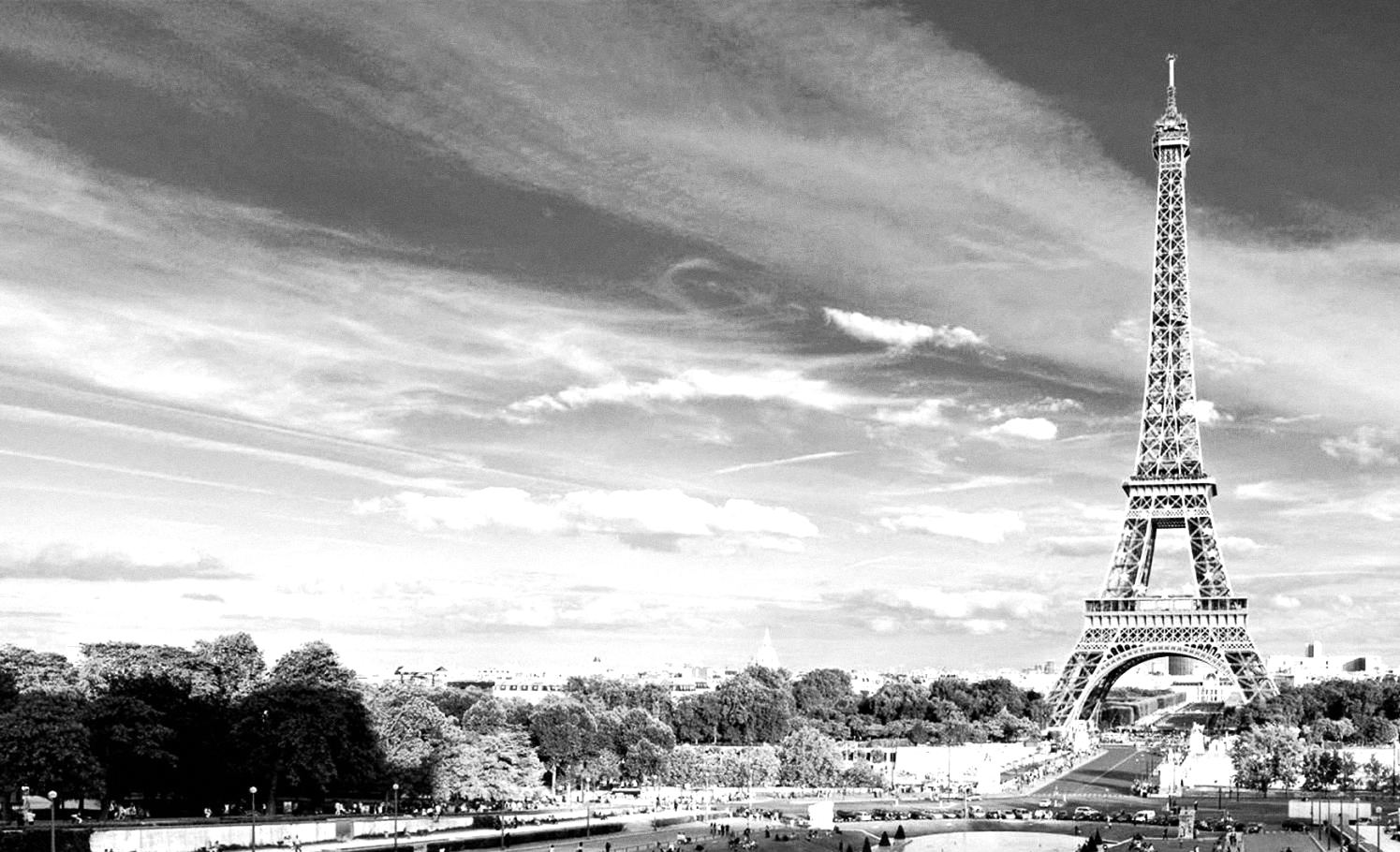 Eiffel-tower-paris-black-and-white-photos-01 - Copy_edited.jpg