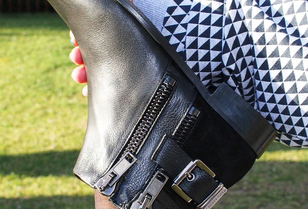 ZipperBlack