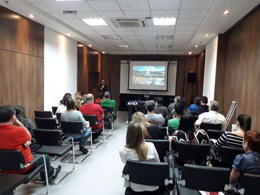João Araújo Promoção & Vendas e Operadora Agaxtur realizam capacitação dos Cruzeiros Australis e