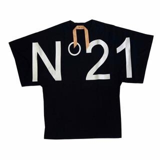 ヌメロヴェントゥーノ(N°21) レディース トップス Tシャツ 半袖 ロゴ 2color 袖口ワイドデザイン・フロントN°21ビッグロゴプリント付Tシャツ 白/黒 F101 6314 1101/9000