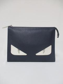 フェンディ(FENDI) メンズ 鞄 バッグ クラッチバッグ ユニセックス可 ロゴ バッグバグズロゴ付レザークラッチバッグ ネイビー 7VA433 A8V9 F018AV